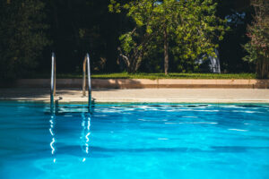 Get the Facts about the Pros and Cons of Solar Pool Heaters in California